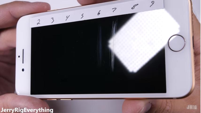 iPhone8耐久テストscrachtest2