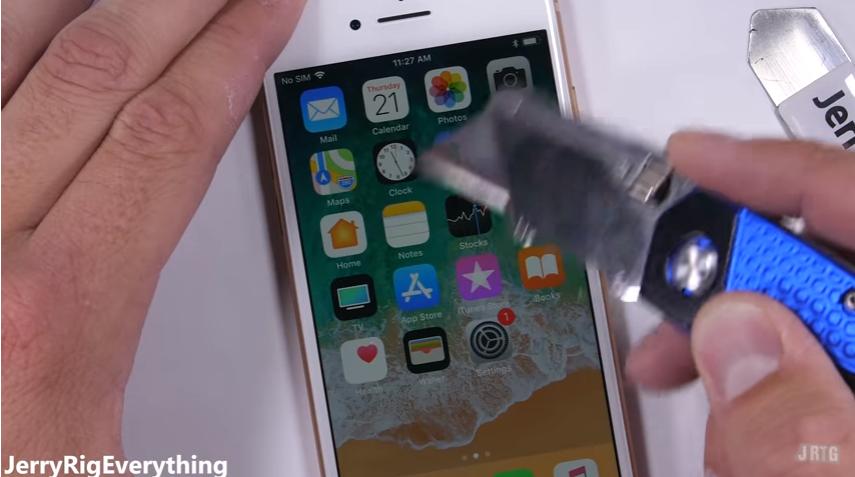 iPhone8耐久テストscrachtest3